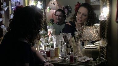 Márcia questiona Atílio sobre seus documentos - Ele diz que não se lembra de nada