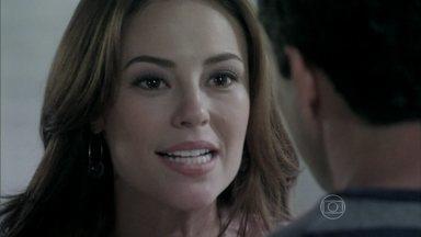 Paloma diz a Bruno que irá doar parte do fígado para Paulinha - Ela diz a Bruno que ele pode ter sido traído pela ex-mulher, mas ele desconversa