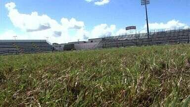 Começam as obras de recuperação do gramado do estádio municipal de Arapiraca - A previsão é que tudo esteja pronto até o dia do jogo do ASA contra a Chapecoense pela Série B do brasileiro.