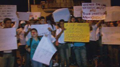 Três Corações também teve manifestação pacífica nas ruas da cidade - Três Corações também teve manifestação pacífica nas ruas da cidade