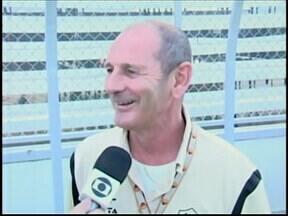 População de Araxá se prepara para assistir jogo entre Brasil e Itália neste sábado - Linha-fina: Treinador do Araxá Esporte, Lucca Baggio, é italiano e mora no Brasil há mais de 25 anos.