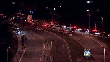 Manifestação em Belo Horizonte deixa feridos - À noite, na Região da Pampulha, situação estava mais calma.