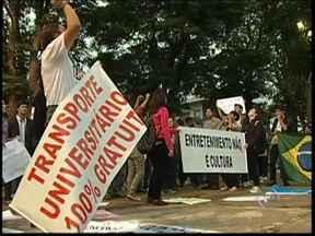 Moradores fazem mobilização neste sábado na região de Itapetininga, SP - Em Tatuí (SP), mobilização reunião aproximadamente 1,5 mil pessoas neste sábado (22). A passeata foi pacífica. Na sexta-feira (21), os protestos ocorreram Boituva, Conhas, Avaré, Pilar do Sul e Tietê (SP).