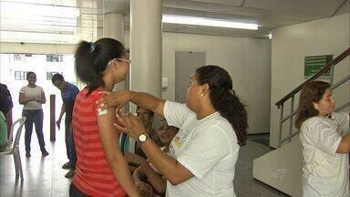 Jovens que vão à Jornada Mundial da Juventude tomam vacina - Ação atualiza cartão de vacinação