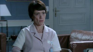 Joana garante que Lutero não tremeu durante a cirurgia de Paloma - Rebeca tenta convencer Pérsio a não testemunhar contra o cirurgião e os dois acabam tendo uma desavença política