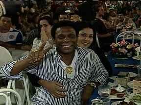 Sorteio escolhe ordem dos desfiles das escolas de samba em 2014 - As 12 escolas de samba do Grupo Especial e as 17 agremiações da Série A se reuniram para o sorteio da ordem dos desfiles do ano que vem. A noite foi de festa e expectativa na Cidade do Samba.