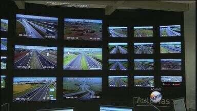 Volta do feriado aumenta movimento em estradas da região - Concessionária que administra a Rodovia Anhanguera estima maior movimento de veículos durante o dia.