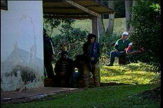 Indígenas continuam acampados em propriedade rural invadida - Ontem, mais de 150 índios invadiram o local em Sananduva exigindo demarcações de terras