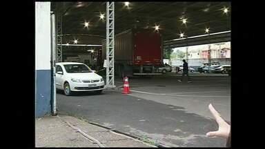 Motoristas reclamam da demora no agendamento de serviços do Detran de Volta Redonda, RJ - Usuários não conseguem realizar a marcação da vistoria de veículos.