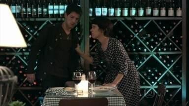 Joana se desculpa com Luciano - Os dois se tornam amigos