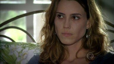 Capítulo de 11/07/2013 - Laura conta a verdade sobre sua saúde para Rocinha