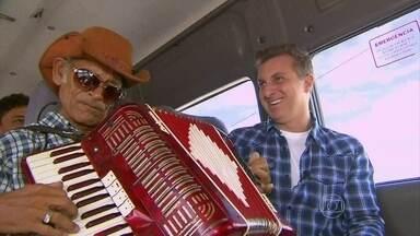 Luciano Huck vai até a Paraíba para o Lar Doce Lar - Apresentador foi conhecer a história do sanfoneiro Luiz Camilo