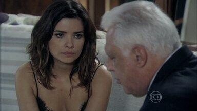 Aline afirma a César que nunca usaria um filho contra ele - O médico se sente culpado por não poder ajudar Paloma