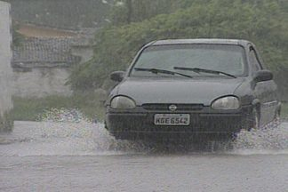 No período da chuva moradores de João Pessoa sofrem com a falta de infraestrutura - Moradores de ruas e comunidades sem infraestrutura adequada sofrem com alagamentos no período da chuva.