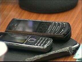 Novas regras para uso de celulares e outros gastos gera economia na Câmara - Portaria regulamenta gasto máximo com conta de celular de R$400,00