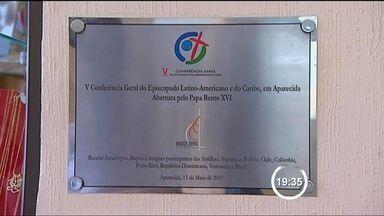 Quarto onde o Papa ficou em Aparecida quando era cardeal vira atração - Papa Francisco esteve hospedado em hotel de Aparecida (SP) quando era cardeal de Buenos Aires.