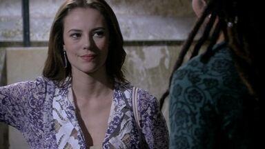 Paloma pede ajuda de Ninho para ter Paulinha de volta - Ela faz uma visita inesperada no galpão do pintor