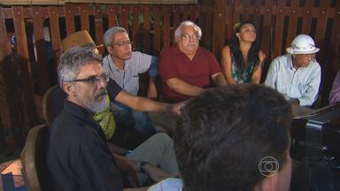 Amigos vão a restaurante que era ponto de encontro de Dominguinhos no Recife - Reunião aconteceu na noite da última terça, após amigos saberem da morte do sanfoneiro.
