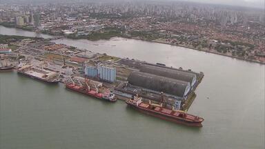 Área destinada a receber mercadorias importadas no Porto do Recife foi ampliada - De vinte mil metros quadrados, o espaço passou a ter 115 mil metros quadrados.