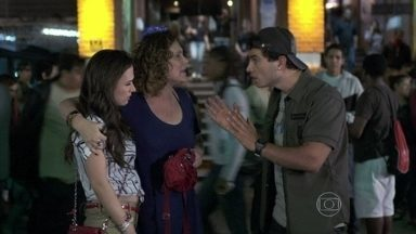 Márcia culpa Carlito pelo sumiço de Gentil - Ela procura pelo marido e o DJ insinua que ele fugiu novamente. Enquanto isso, Vega cuida de Atílio