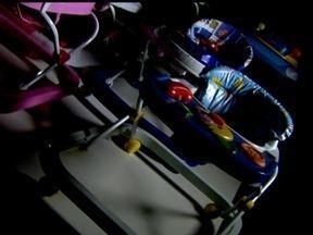 Inmetro testa marcas de andadores infantis - O Fantástico deste domingo (4), traz um alerta ao consumidor: O Inmetro fez o teste dos andadores infantis. No Brasil, não existe regulamentação para os andadores infantis. Por isso, o Inmetro usou os critérios adotados pela União Europeia.