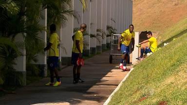 Cruzeiro já está em Santa Catarina para enfrentar o Criciúma - Time mineiro tenta voltar a liderança do Campeonato Brasileiro.