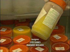Na Semana do Aleitamento Materno, Banco de Leite de Foz quer aumentar número de doadoras - Hoje a entidade conta com 53 doadoras que só conseguem abastecer as geladeiras com 90 litros por mês, quando o ideal seria 150 litros.