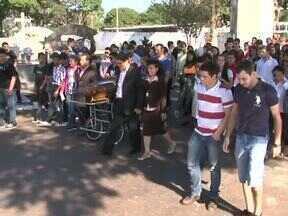 Veja as notícias desta terça-feira no ParanáTv 2ª edição - Em Umuarama, foram enterrados os corpos dos cinco jovens que morreram em um acidente no fim de semana.