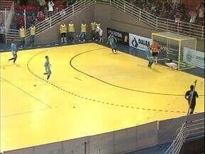 """Umuarama empata com o Guarapuava pela Liga de Futsal - O time do noroeste se complicou no grupo """"D"""". Tem apenas dois pontos em dois jogos."""