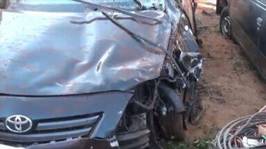 Polícia encontra bebidas em carro de sertanejo morto em acidente em Aramina, SP - Além do cantor, o primo dele também morreu no local.