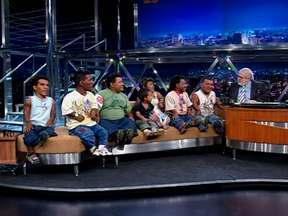 Os 'Anões Pindorama' foram objeto de documentário - Parte 01 - Os sete são irmãos e trabalham num circo itinerante.