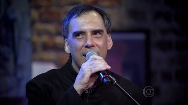 Hora do som! Arnaldo Antunes manda a primeira música da noite: 'O que' - No programa sobre Língua, compositor faz suas contribuições com muita canção