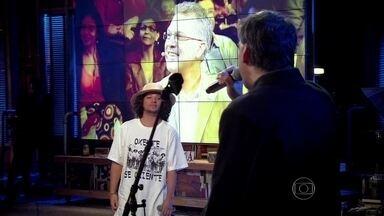 Enquanto Arnaldo Antunes canta 'A casa é sua', RAPadura improvisa - Que dupla! O resultado ficou imperdível