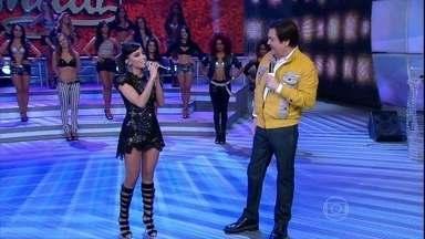 Anitta canta música gospel, 'Noites traiçoeiras' - Cantora relembra dos tempos em que cantava na igreja; confira