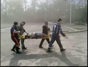 VC no MG: helicóptero ajuda no transporte de vítimas de acidente na BR-381 - Telespectador registrou momento da transferência dos pacientes.