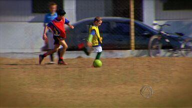 Lucas do Rio Verde investe na geração de novos talentos no futebol - Em Lucas do Rio Verde, futebol é distração para a população, mas também recebe investimentos para a geração de novos talentos.