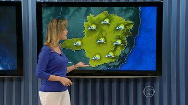 Belo Horizonte registra baixas temperaturas na manhã desta terça-feira - A menor temperatura registrada no estado foi na cidade de Monte Verde. Lá, os termômetros chegaram a marcar dois graus e meio. O oceano manda nuvens principalmente ao noroeste de Minas. Por isso, deve chover na região.