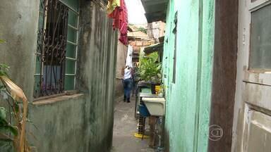 Parceiros do MGTV mostram uma vila praticamente desconhecida no bairro Lagoinha - O espaço das casas é quase espremido pelos prédios ao redor. A vila, cujos registros não foram encontrados na prefeitura, é feita só de casas. Lá, os estreitos corredores tem muita história para contar.
