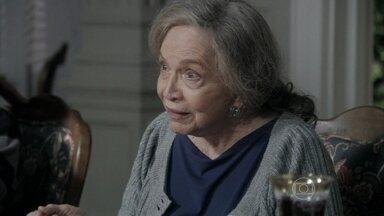 Bernarda e Pilar criticam o acordo entre Edith e Félix - Enquanto isso, Aline fala mal de Pilar para César
