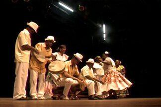 Projeto que propaga cultura das quilombolas se apresentou nesta terça em Campina Grande - Grupo Sambas Raízes do Bolão se apresentou no projeto Sonora Brasil.