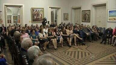Academia Cearense de Letras comemora 119 anos da instituição - Solenidade foi realizada nesta terça-feira.