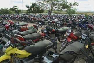 Pátio do Ciretran está cheio de motos roubadas que foram recuperadas em Campina Grande - Polícia alerta para a necessidade de fazer um boletim de ocorrência, para que a moto seja recuperada.