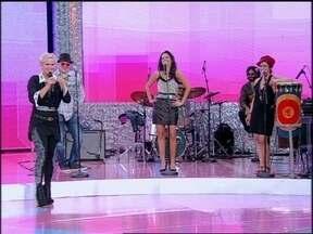 Banda Moinho chega com tudo no TV Xuxa com 'Ela Briga Comigo'