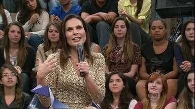 Laura Müller revela como são as suas relações sexuais - Sexóloga tira dúvidas da plateia e os convidados do Altas Horas