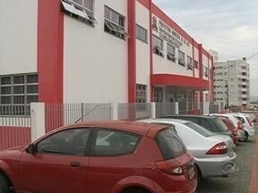 Escola é alvo de vandalismo em São José - Escola é alvo de vandalismo em São José