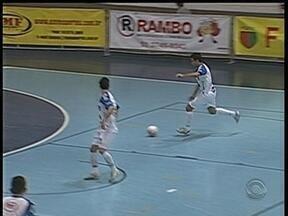 Afusca levou a melhor contra Alaf na Série Ouro de Futsal - Time de Cachoeirinha, RS, segue na liderança.