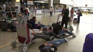 Após mal tempo, avião que ira para Natal faz pouso de emergência em Fortaleza - Dois dias antes, voo com turbulência deixou 15 pessoas feridas.