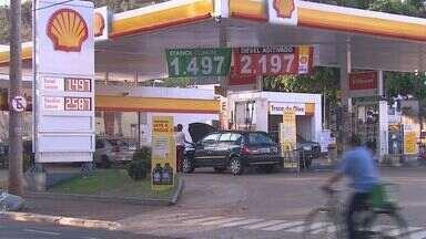 Litro do etanol chega a R$ 1,40 em Ribeirão Preto, SP - Concorrência ajuda a baratear o combustível, dizem especialistas.