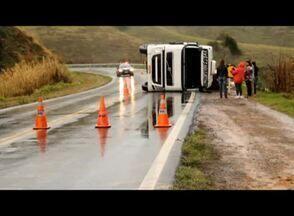 Chuva provoca acidentes nas estradas federais da região - Acidentes ocorreram entre Juiz de Fora e Leopoldina, em Argirita e entre Barbacena e Barroso.