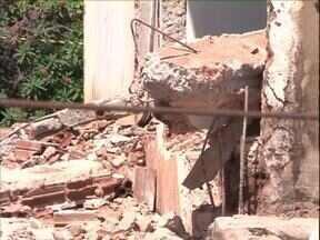 Trabalhador morre em desabamento de laje em Umuarama - Um homem de 44 anos morreu enquanto trabalhava na ampliação de uma empresa de Umuarama.